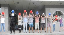 Флешмоб IceBucketChallenge: украинские айтишники последовали примеру Гейтса иЦукерберга