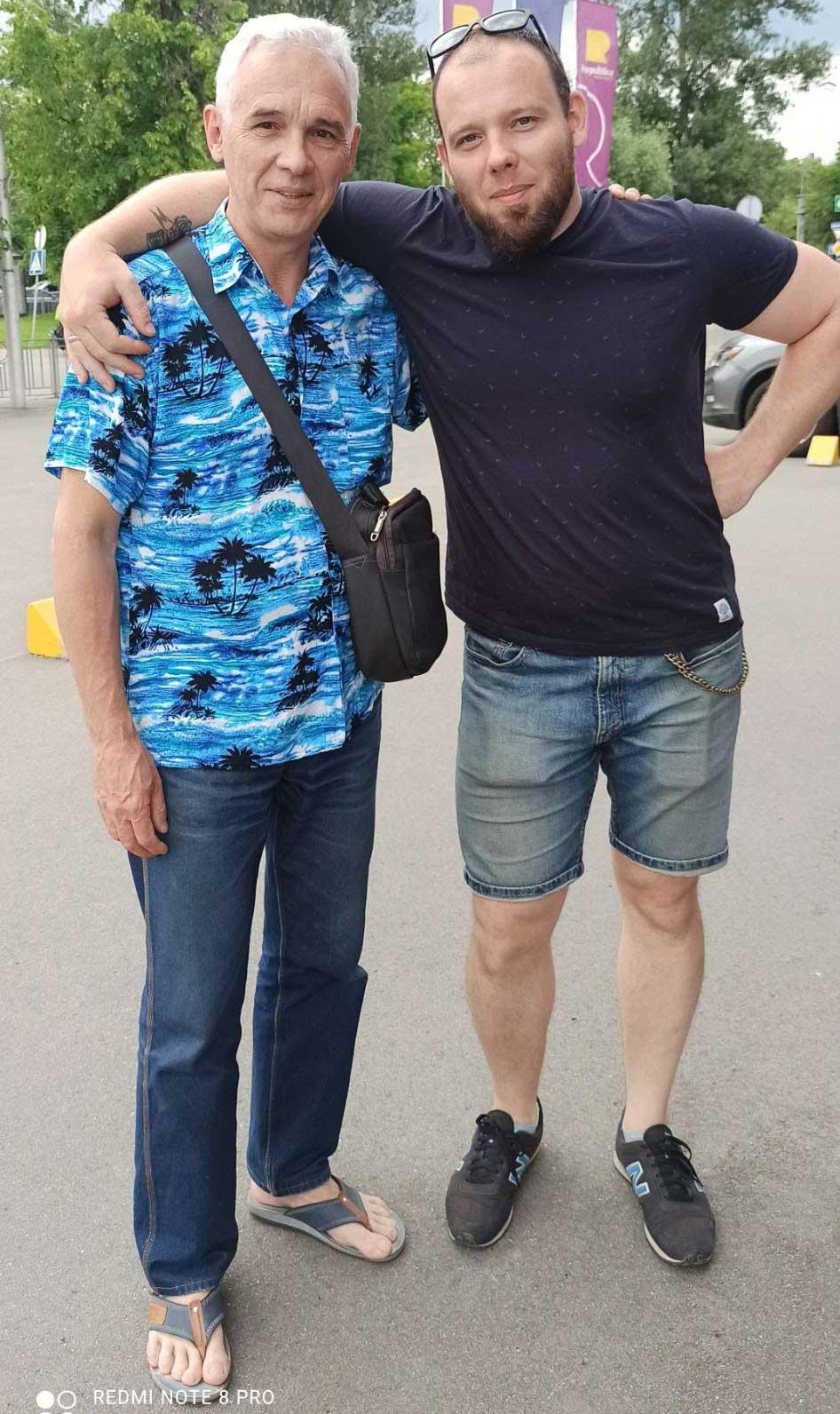 Зі старшим сином Віктором, який працює у геймдеві