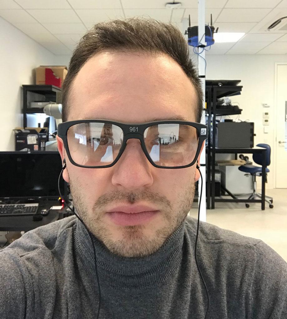 В лаборатории Intel в очках, которые я тестировал. Февраль, 2018 год