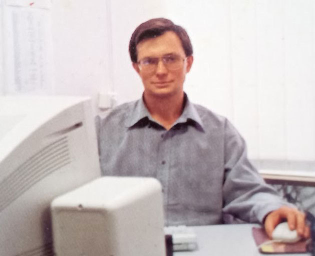 Руслан за роботою у Lucky Net, 2000 рік