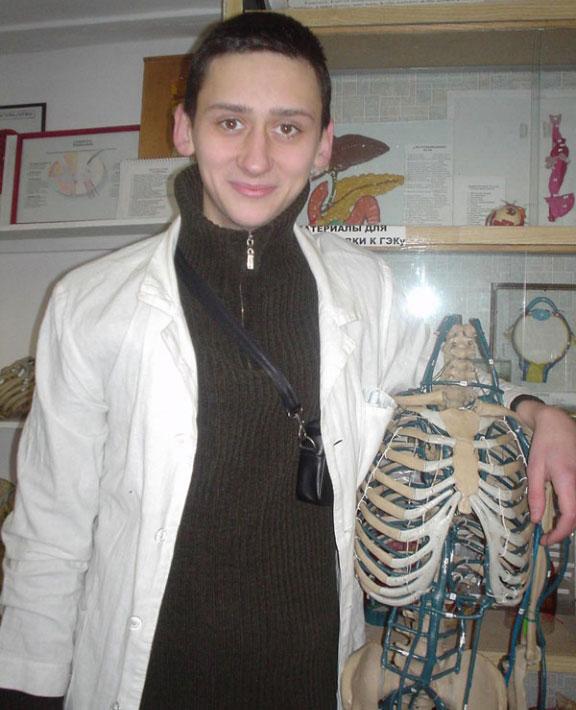 Первые курсы учебы на медицинском факультете Харьковского национального университета имени В. Н. Каразина (2003–2004 гг.)